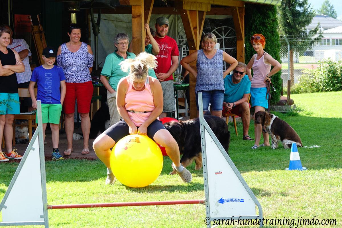 juxturnier-svoe-huepfball